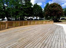 Terrasse en bois pour les collectivités