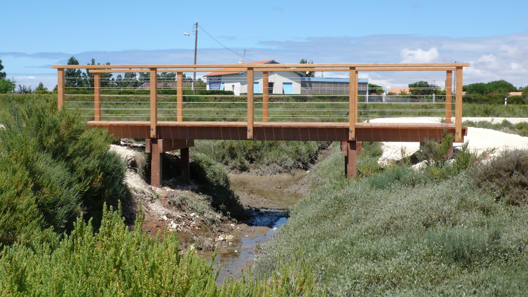 fabricant de passerelle pont en bois public sle. Black Bedroom Furniture Sets. Home Design Ideas