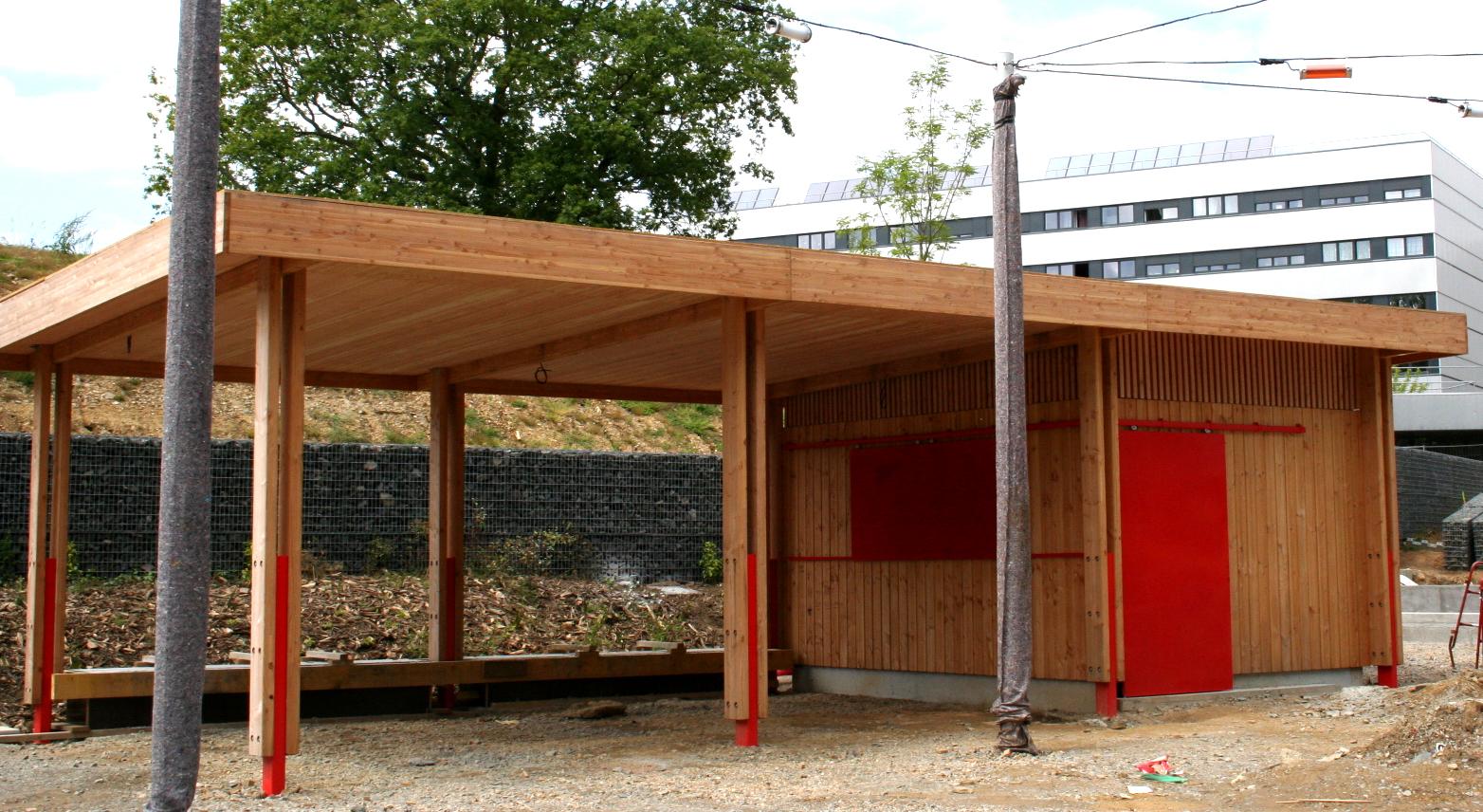 Kiosque en bois pour jardin fashion designs - Fabricant abri de jardin en bois ...