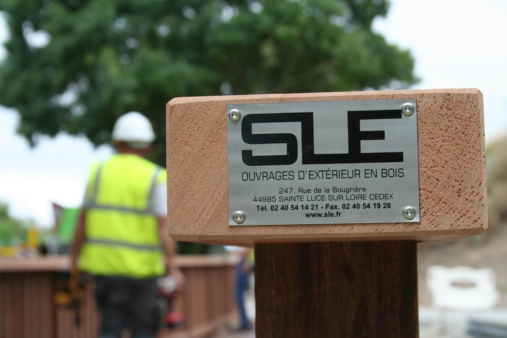 SLE (aménagements extérieurs en bois) recrute deux poseurs
