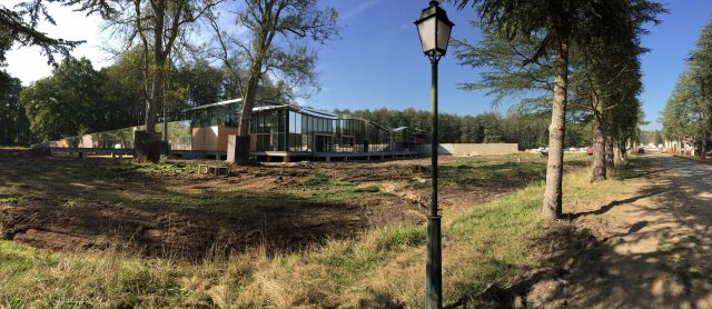 Pernod Ricard University Centre Learning avant aménagements extérieurs bois, par SLE